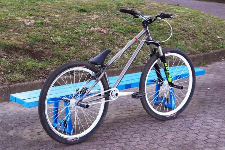 4ペグbrMOZUバイク