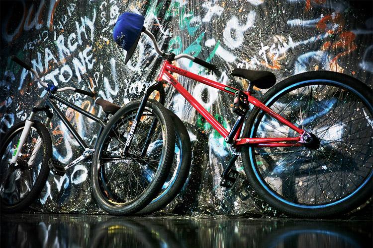 kdMOZUバイク