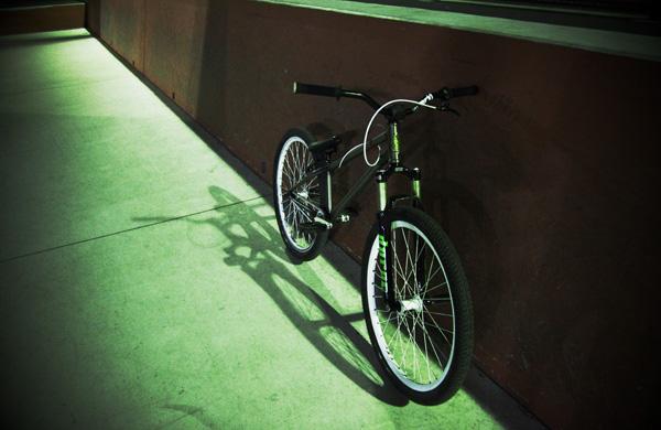 新横パークとMOZUバイク
