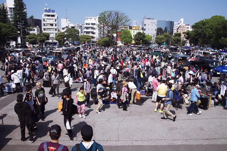 バイシクルライド2012イン東京の隣でフリーマーケット