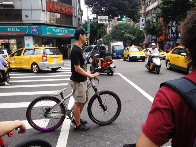 台湾のディストリビューター兼MTBライダーのアンドリューさん