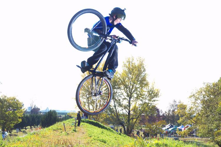 秋ヶ瀬の森バイクロアでジャンプ講習会