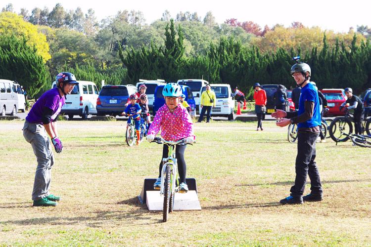 秋ヶ瀬の森バイクロア2でジャンプ講習会