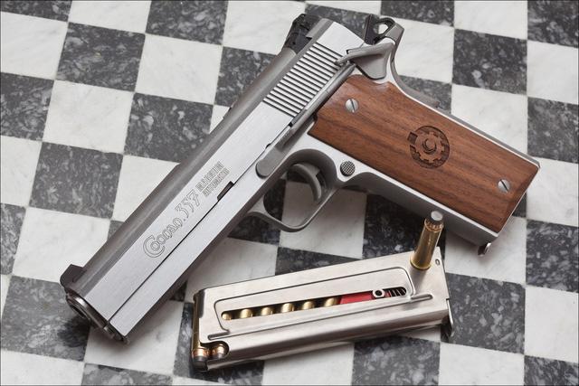 Coonan .357 Magnum Automatic クーナン .357マグナム オートマチック