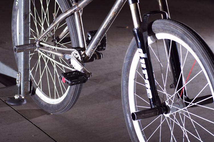 マクロレンズで自転車を撮ってみたのだが