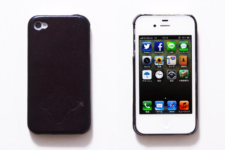 もうすぐ買い換える予定の自分のiPhone4S MASAGOのケース付き