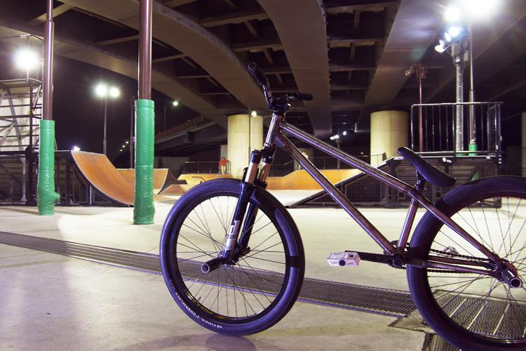新横浜スケートパークとSHAKAバイク