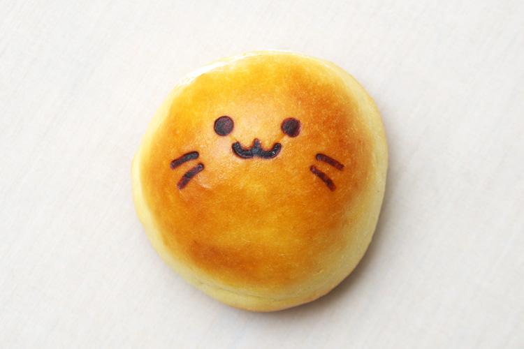 神戸屋玉川店の多摩川名物たまちゃんパン