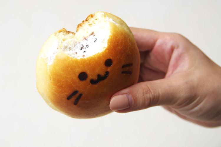 神戸屋玉川店の多摩川名物たまちゃんパンの中身
