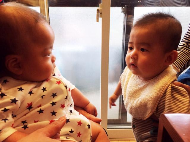 生まれが1ヶ月違いな幼なじみの息子とウチの息子