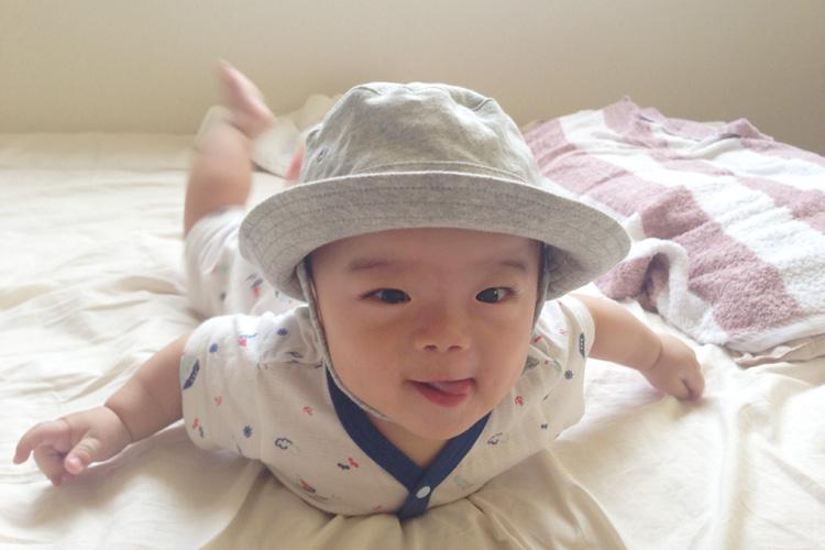 帽子を被る叶大