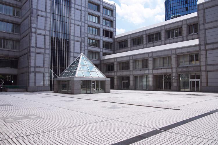 国連大学の中庭