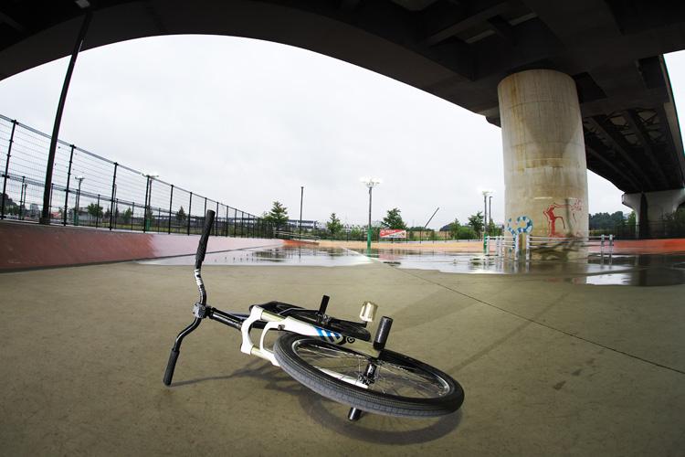 雨の新横浜スケートパークライド