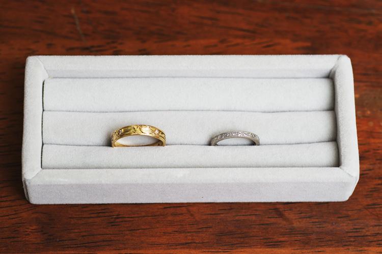 修理の終わったサモと奥さんの指輪