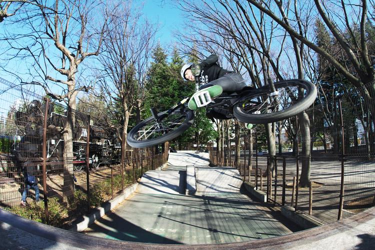 サモ世田谷公園SLスケートパークエアターン