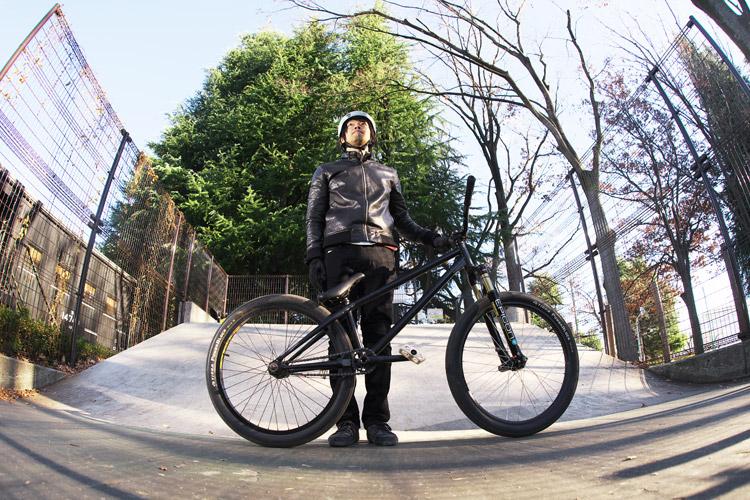 世田谷公園SLスケートパークのサモとSHAKAバイク