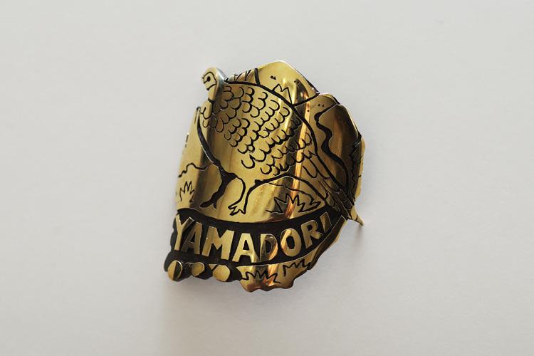 YAMADORIのヘッドバッジ