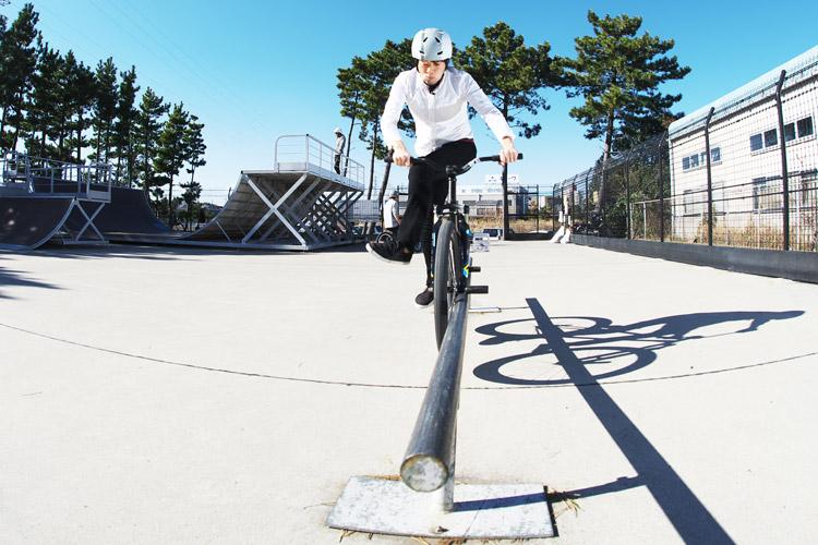 塩浜スケートパーク サモのキャンキャンダブルペググラインド