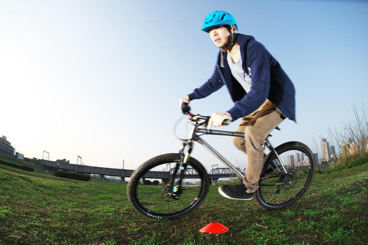 MTB マウンテンバイク YAMADORI 1st 26 多摩川河原サイクリングロード コーナリング カービング