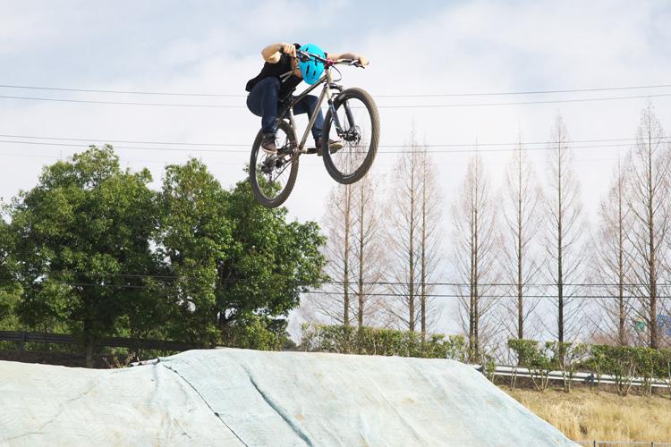 MTB マウンテンバイク YAMADORI 1st 26 フラワートレイル ダートジャンプ ハイエアー