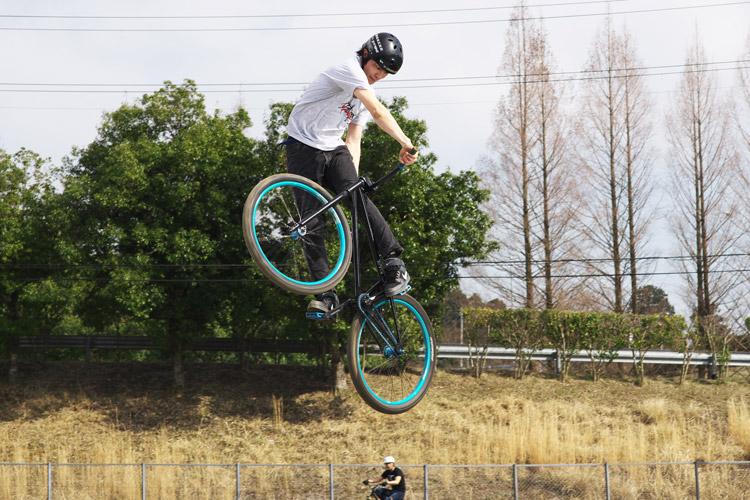 MTB マウンテンバイク レオン君 ダートジャンプ ターンダウン