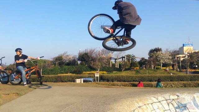 横須賀うみかぜ公園ローカルSHAKAに乗るYamato君のインバート