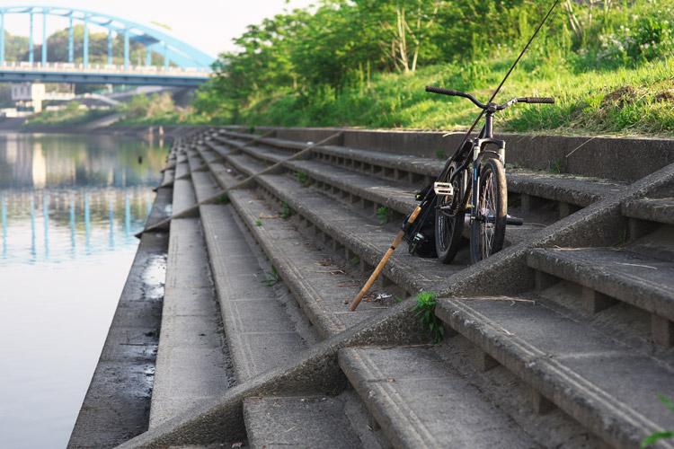 MTB マウンテンバイク SHAKA 多摩川河原サイクリングロード ルアー シーバスフィッシング