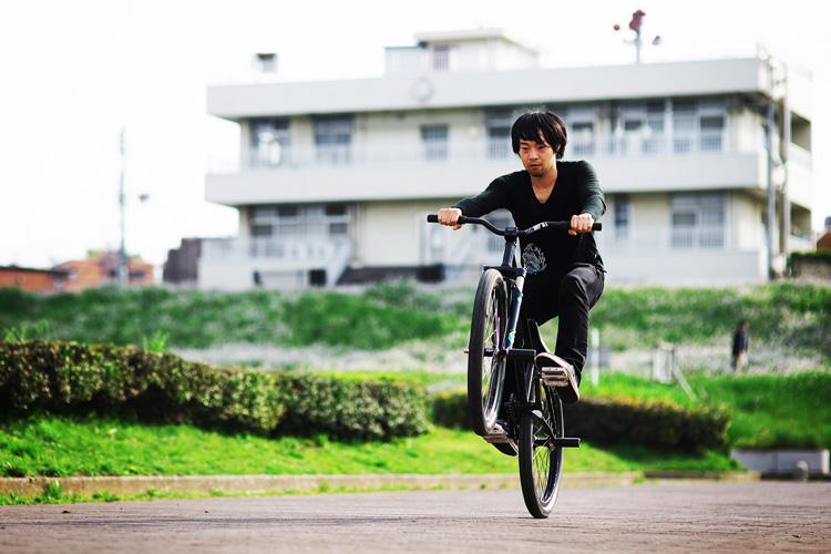MTB マウンテンバイクSHAKA 多摩川河原サイクリングロード マニュアル練習