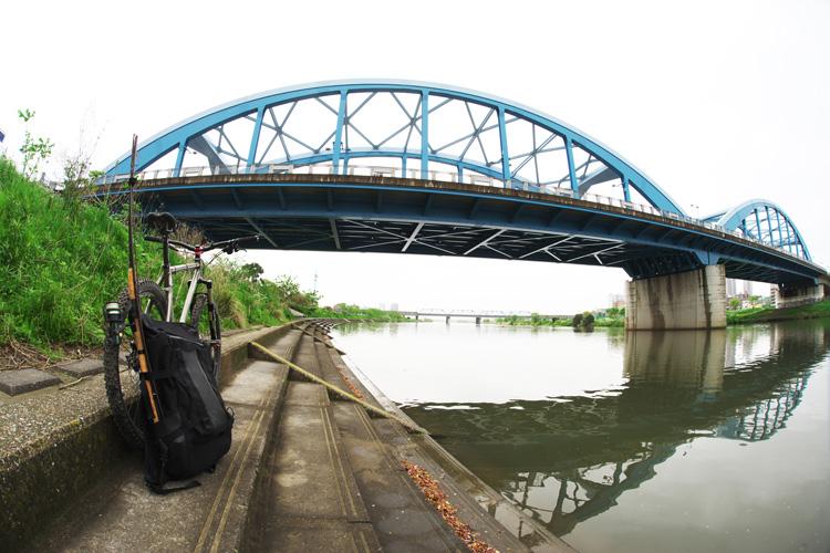 MTB マウンテンバイク YAMADORI 1st 26 多摩川河原サイクリングロード ルアー シーバスフィッシング