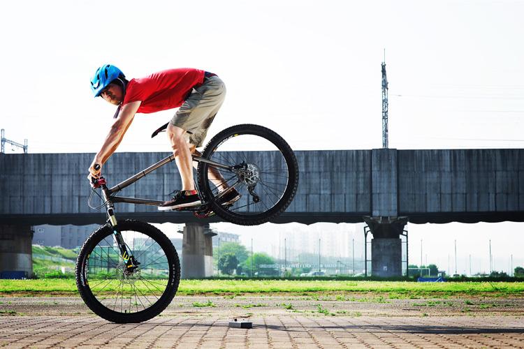 MTB マウンテンバイク YAMADORI 1st 26 多摩川河原サイクリングロード ジャックナイフ