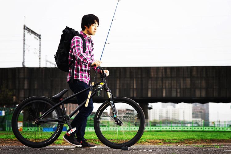 MTB マウンテンバイクSHAKA 多摩川河原サイクリングロード バスフィッシング シーバス
