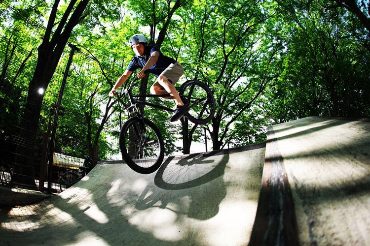 バンクバニーホップRイン世田谷公園SLスケートパーク