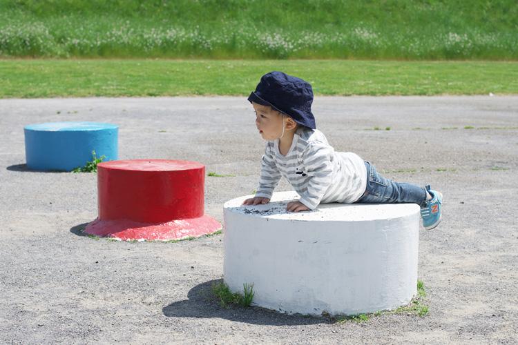 多摩川河原の公園で遊ぶ叶大