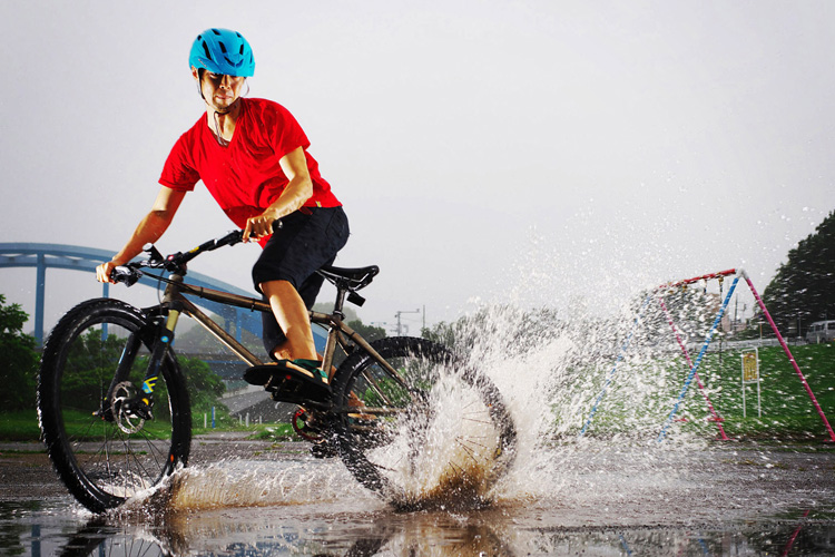MTB マウンテンバイク YAMADORI 1st 26 多摩川河原サイクリングロード 水たまりドリフト