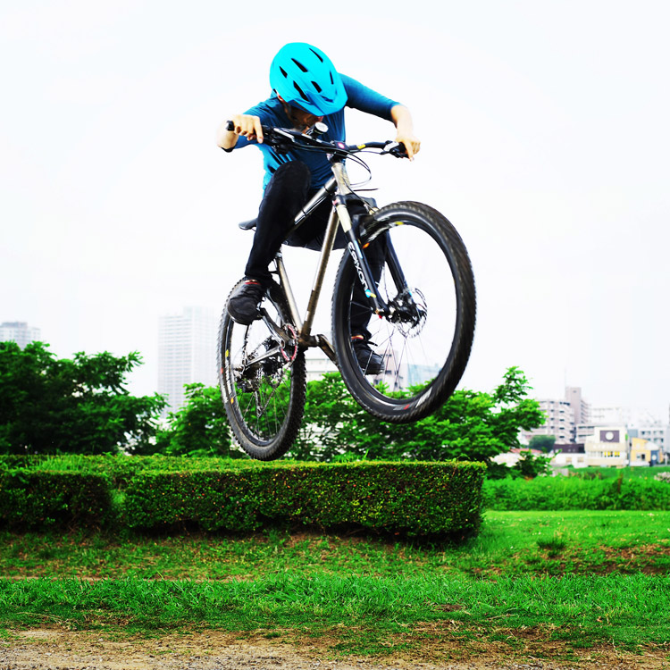 MTB マウンテンバイク YAMADORI 1st 26 多摩川河原サイクリングロード バンク斜め刺しバニーホップ