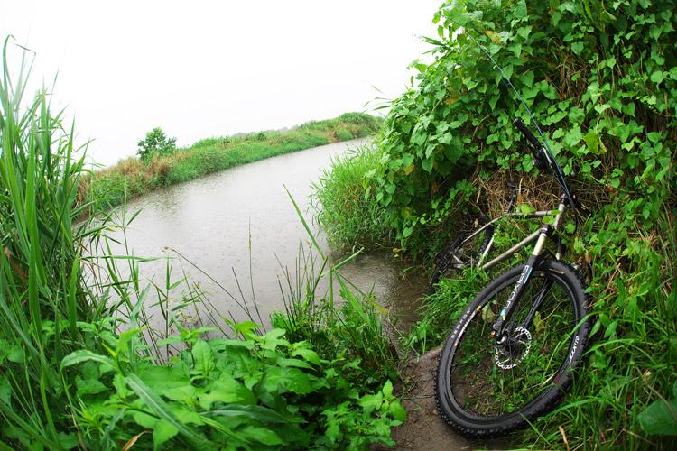 MTB マウンテンバイク YAMADORI 1st 26 多摩川河原サイクリングロード エサ釣り