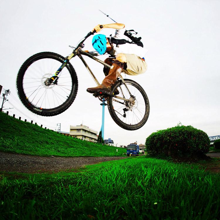 MTB マウンテンバイク YAMADORI 1st 26 多摩川河原サイクリングロード バンクバニーホップ