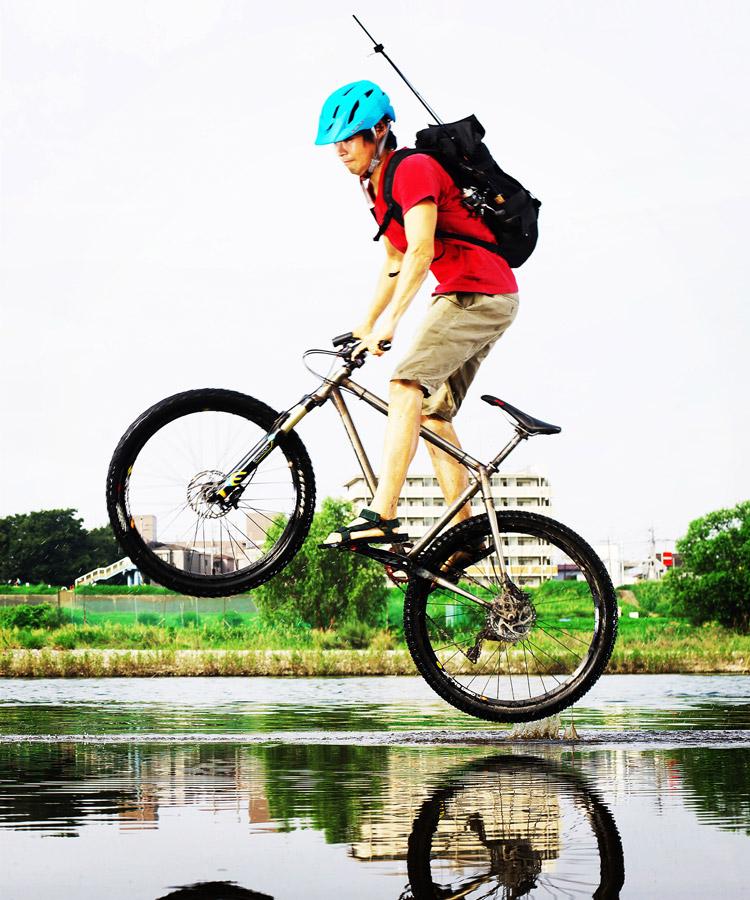 MTB マウンテンバイク YAMADORI 1st 26 多摩川河原サイクリングロード 川の中からバニーホップ