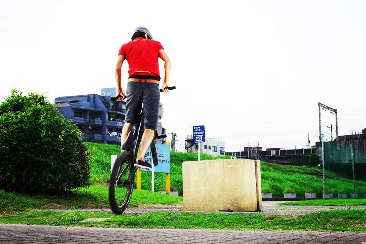 MTB マウンテンバイクSHAKA 多摩川河原サイクリングロード バニーホップロックウォーク ギャップ超え