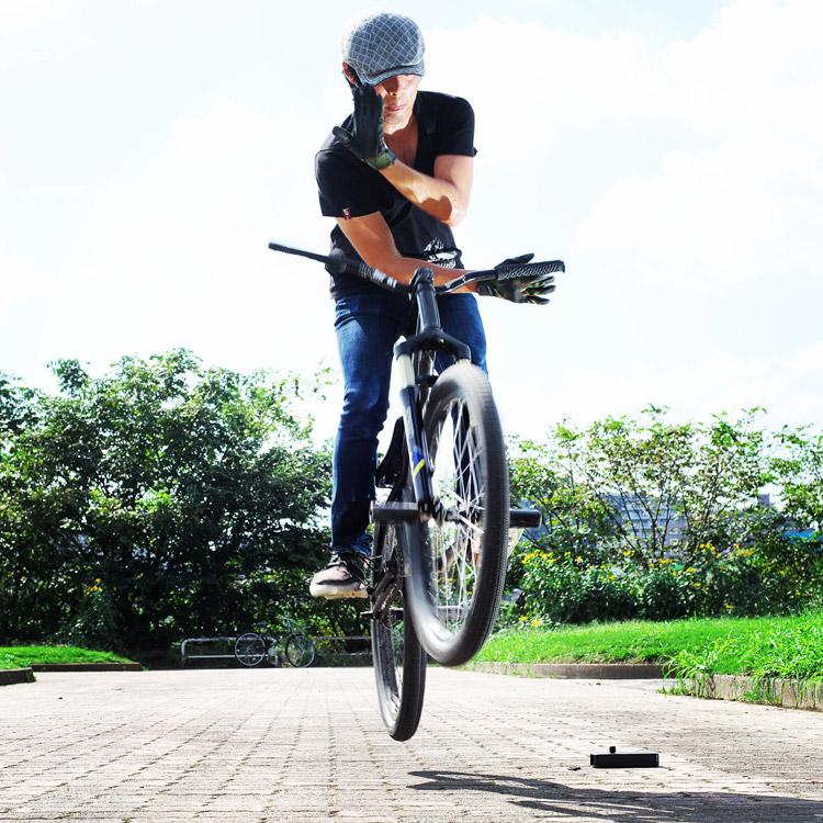 MTB マウンテンバイクSHAKA 多摩川河原サイクリングロード バニーホップバースピン