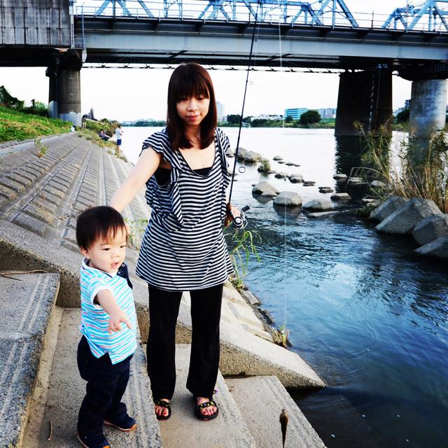奥さんも近所の多摩川でハゼを釣りました。