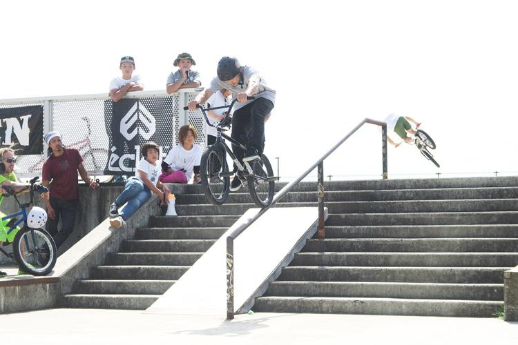 山形県寒河江スケートパークでOYA-Z BMX JAM 2015 レールJAMのミナトさん