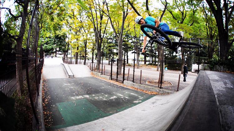 サモ世田谷公園SLスケートパークサモインバート練習