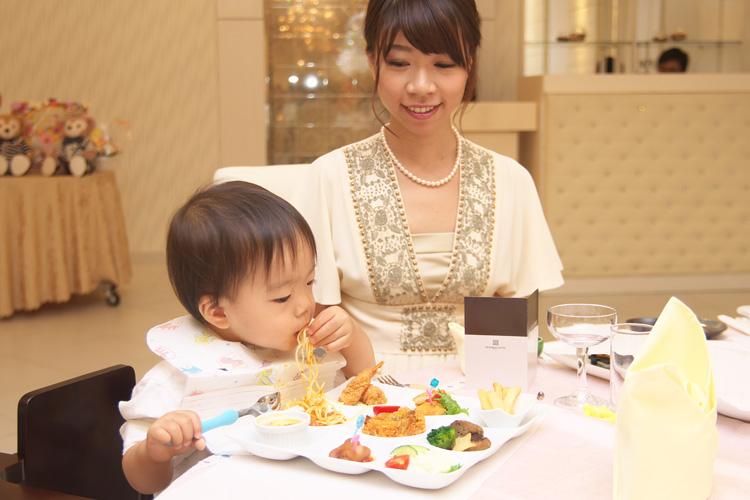 奥さんの弟さんの結婚式での叶大と奥さん