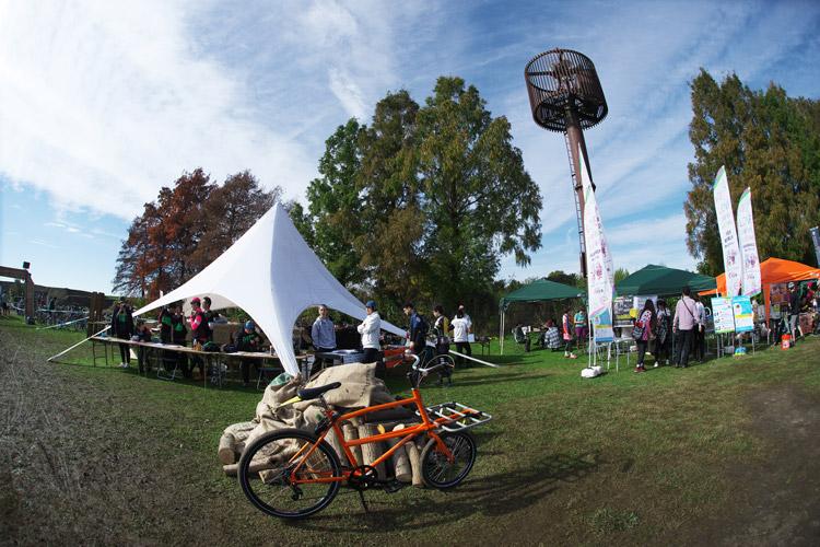 秋ヶ瀬のバイクロア5の管理本部テント
