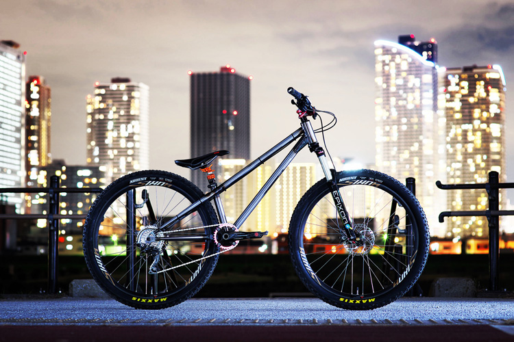 テストバイク croMOZU 275