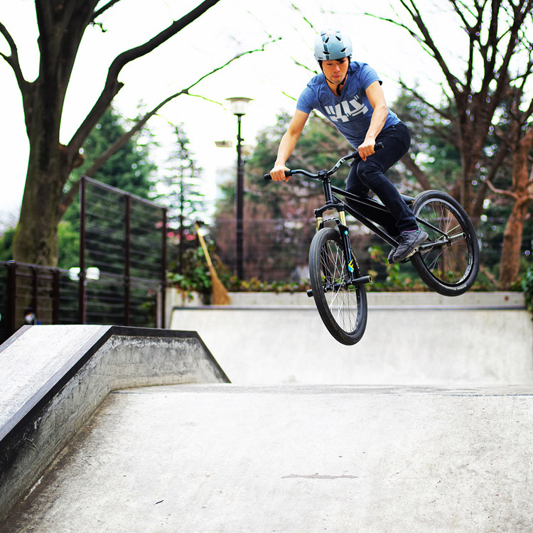 サモ世田谷公園SLスケートパーク バニーホップウィップ