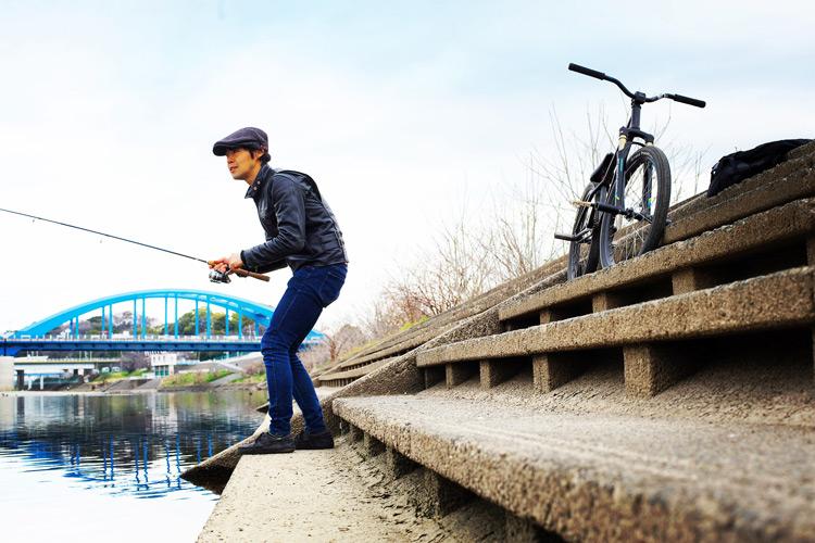 多摩川河原で朝活FISH