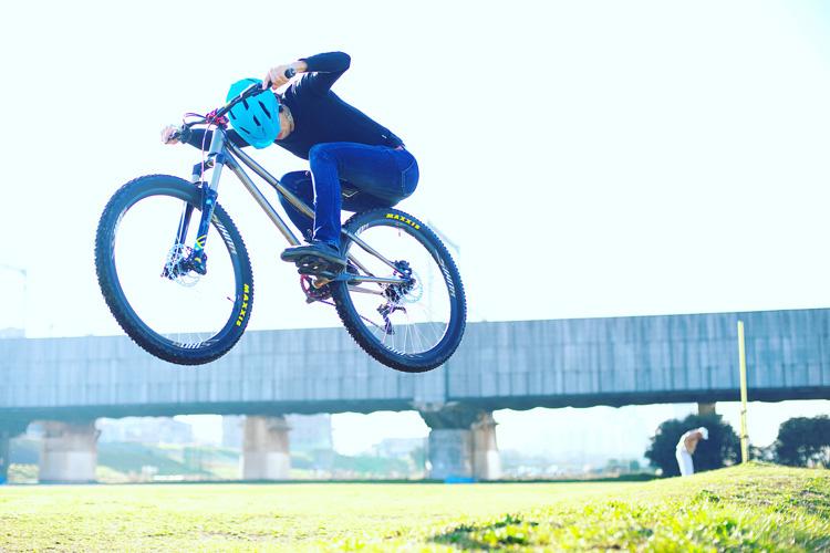 ZU275 2nd TEST多摩川河原サイクリングコース バニーホップ