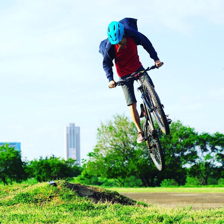 croMOZU275 2nd TEST多摩川河原サイクリングコース 盛土バニーホップ180